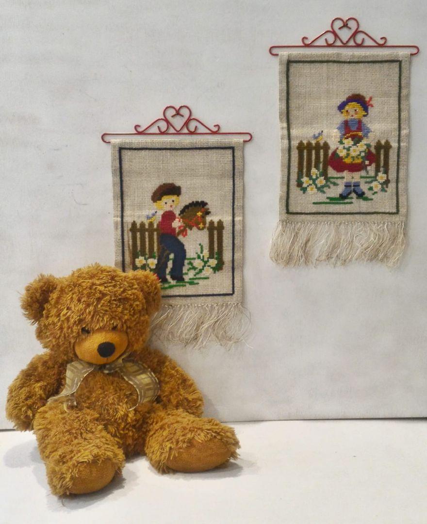 זוג תמונות רקומות לחדר הילדים