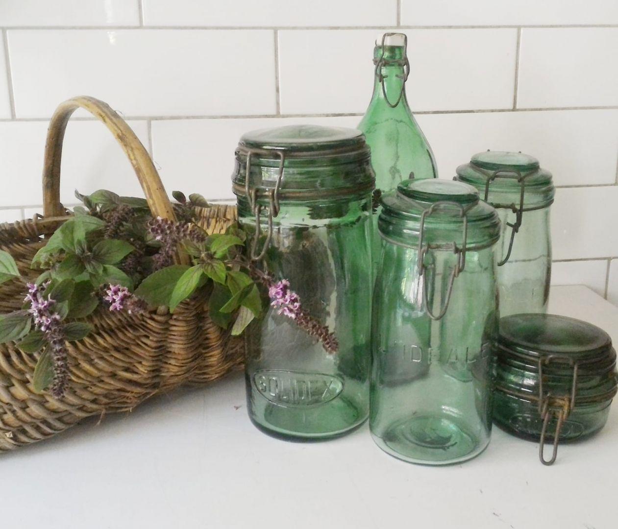 בקבוק זכוכית ירוקה