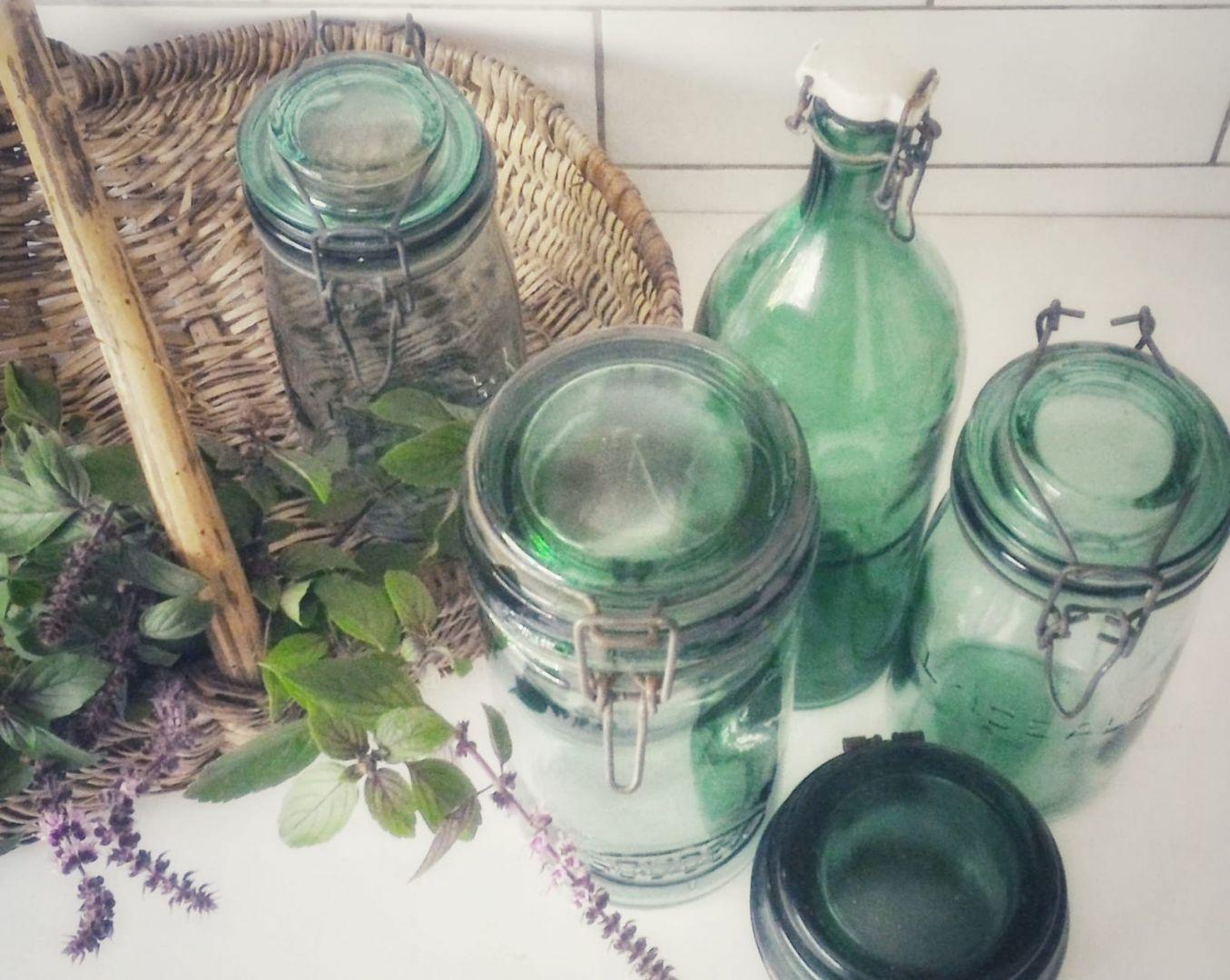 צנצנת זכוכית ירוקה צרפתית