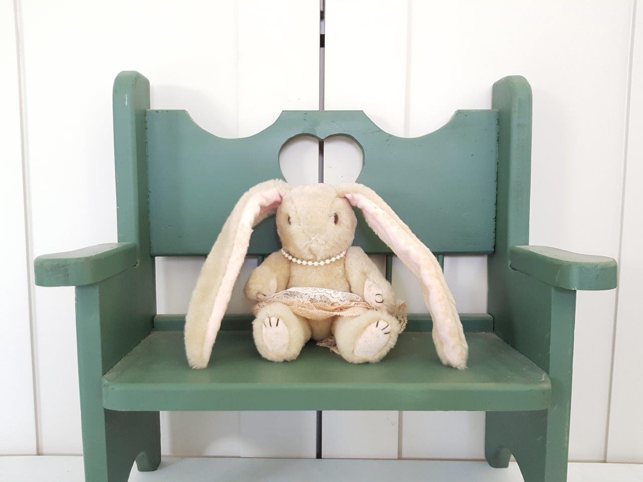 ספסל בובות
