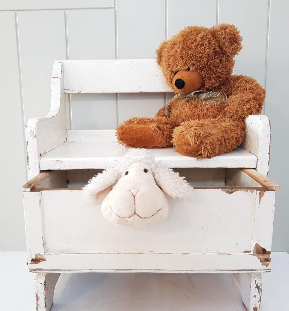 ספסל לחדר ילדים